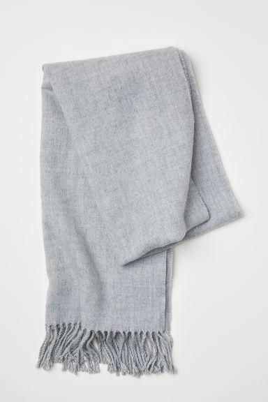 Achat/Vente belle qualité thésaurisation comme une denrée rare H & M - Écharpe Tissée - Gris from H&M on 21 Buttons