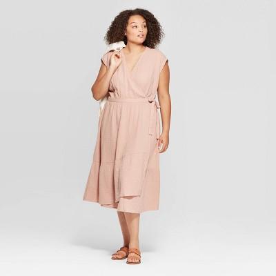 Women's Plus Size Short Sleeve V-neck Ruffle Hem Midi Dress - Universal Thread™