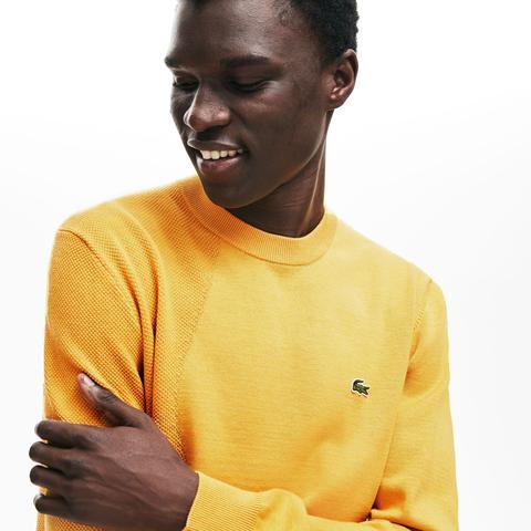 Jersey De Hombre En Dos Materiales Termorreguladores Texturizados Con Cuello Redondo de Lacoste en 21 Buttons
