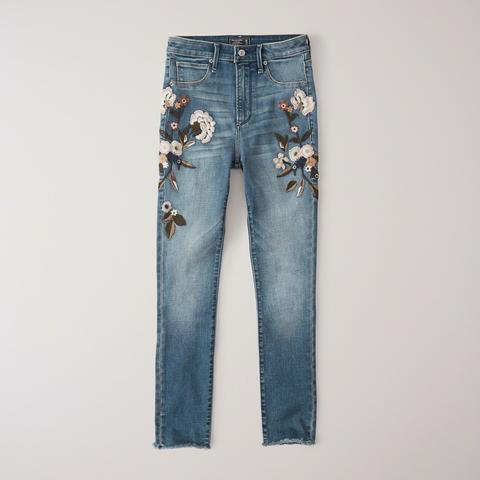 Jeans Superajustados Tobilleros De Tiro Alto de Abercrombie & Fitch en 21 Buttons