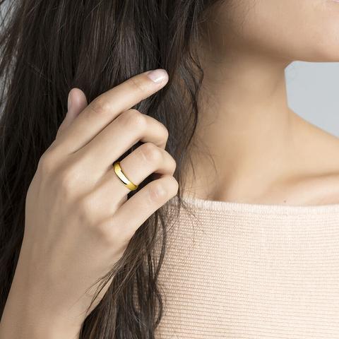 Medium Gold Band Ring