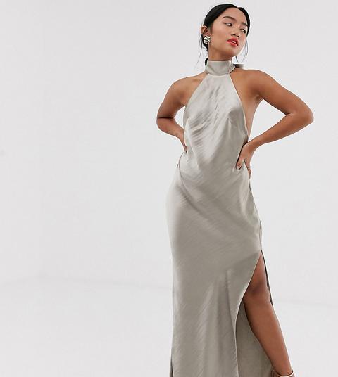 Vestido Largo De Satén Muy Brillante Con Gargantilla De Asos Design Petite de ASOS en 21 Buttons
