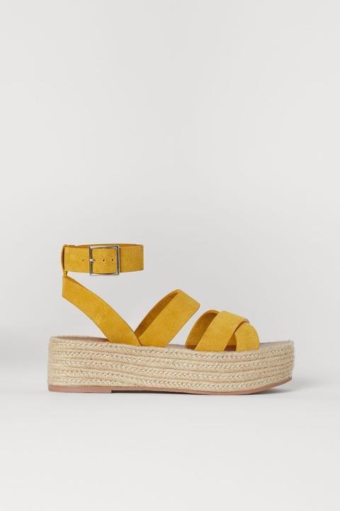 Sandalias De Plataforma - Amarillo de H&M en 21 Buttons