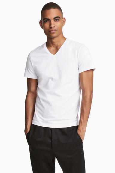 Camiseta Cuello En V Slim Fit