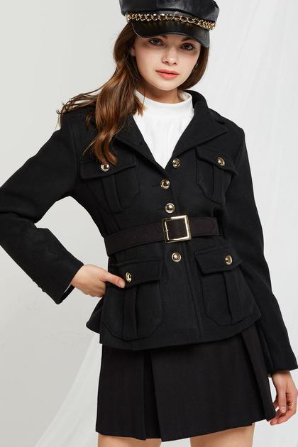 Brittany Belted Jacket de Storets en 21 Buttons