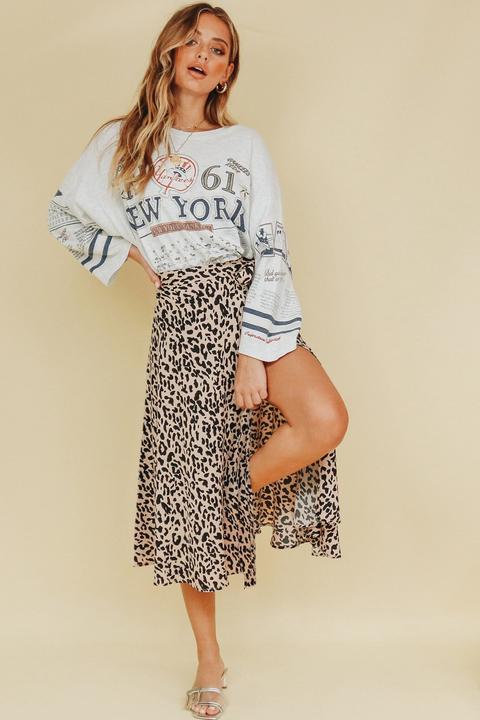120d789b8a Social Marketplace Frill Maxi Skirt // Mu…… 90's Supermodel Wrap Midi Skirt  // Leopard de Verge Girl en 21 Buttons