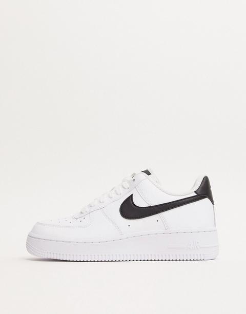 Zapatillas En Blanco Y Negro Air Force 1 '07 De Nike de ASOS en 21 Buttons