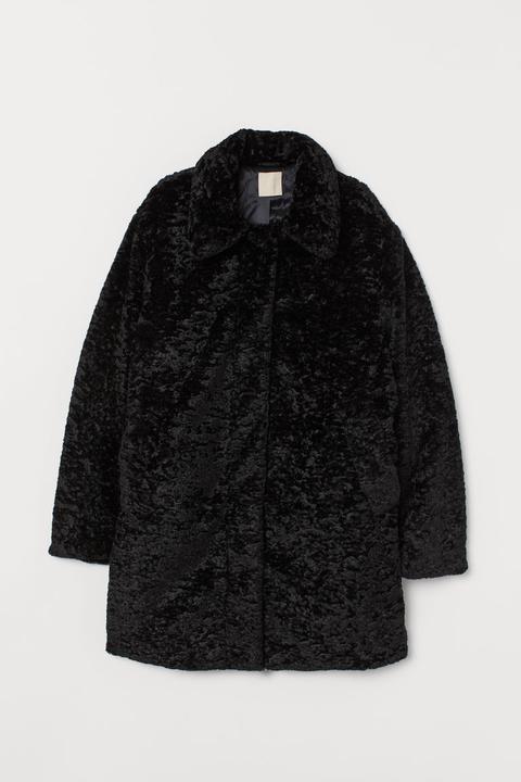 Chaqueta En Pelo Sintético - Negro de H&M en 21 Buttons