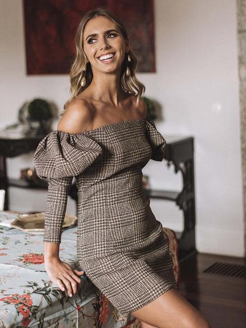 Black And Camel Patterned Dress de KAOA en 21 Buttons