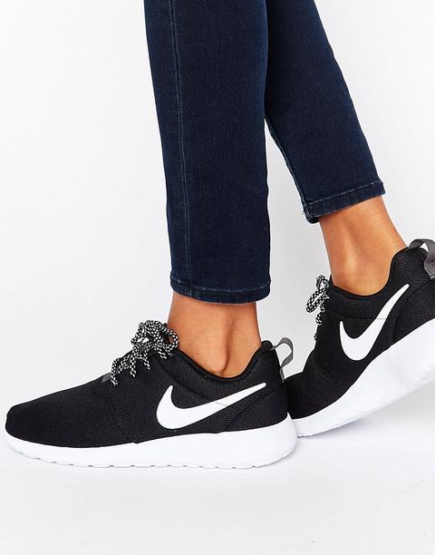 nike scarpe bianche e nere