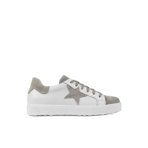 Sneaker Star Topo de Un Paso Mas en 21 Buttons