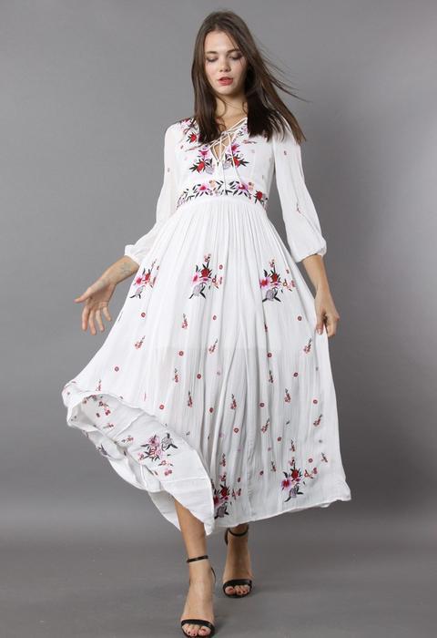 Maravilloso Maxi Vestido Con Bordado Floral de Chic wish en 21 Buttons