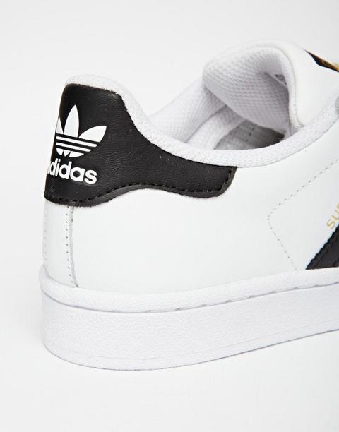 meilleur site web 81d46 fa5c8 Adidas Originals - Superstar - Baskets - Blanc Et Noir - Blanc from ASOS on  21 Buttons