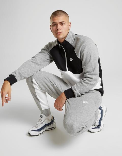 Nike Chándal Chariot, Gris de Jd Sports en 21 Buttons
