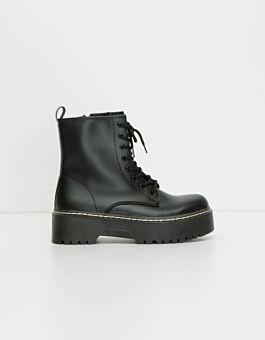 Schwarze Schnürstiefelette