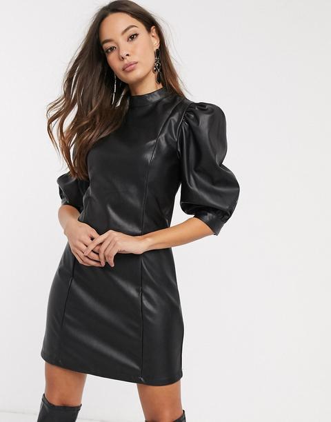 Vestido Corto De Efecto Cuero Negro Con Mangas Abullonadas De Vero Moda de ASOS en 21 Buttons