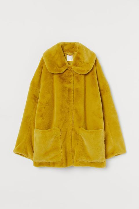 Chaqueta En Pelo Sintético - Amarillo de H&M en 21 Buttons