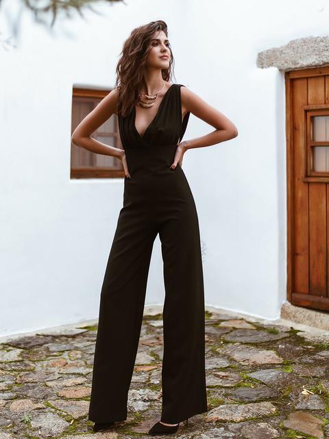 Black Crepe Jumpsuit de KAOA en 21 Buttons