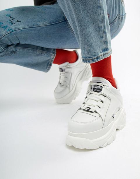 Zapatillas De Deporte Blancas Clásicas Con Suela Gruesa De Buffalo de ASOS en 21 Buttons
