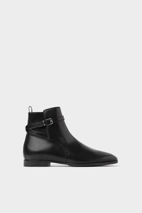 Botín Piel Negro Hebilla de Zara en 21 Buttons