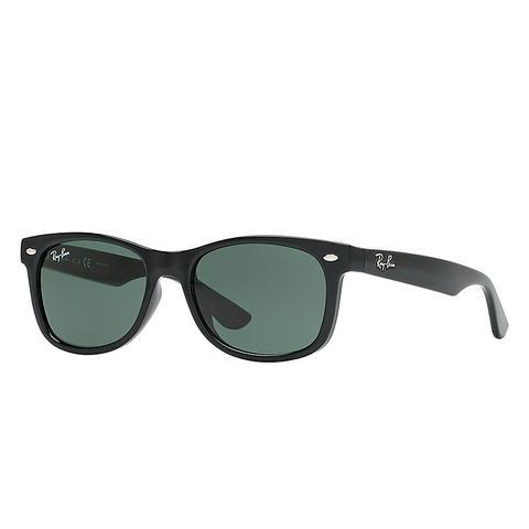 New Wayfarer Junior Unisex Sunglasses Lentes: Verde, Montura: Negro de Ray-Ban en 21 Buttons