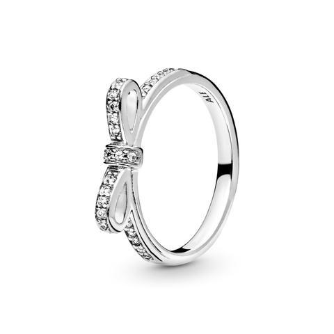 Bow Silver Ring With Cubic Zirconia de Pandora en 21 Buttons