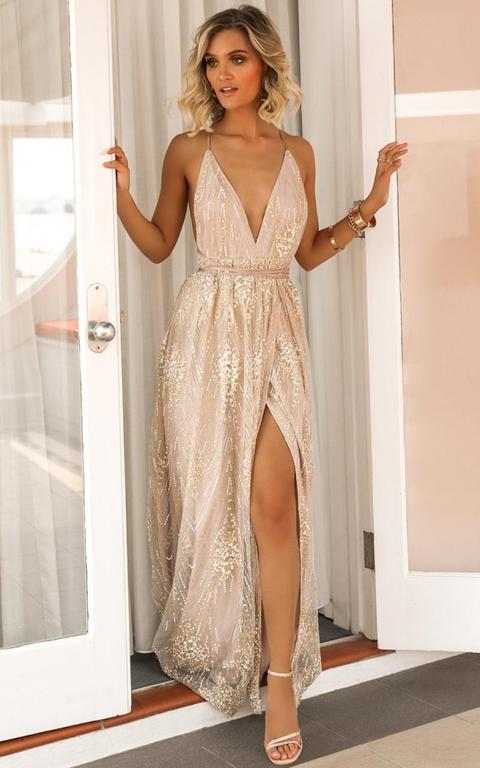 New York Nights Maxi Dress In Gold de Showpo en 21 Buttons