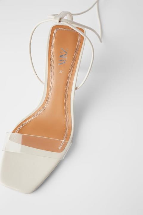 On Holzoptik Absatz In Zara 21 Aus Mit Sandalette Vinyl Buttons From WH9ED2IYe