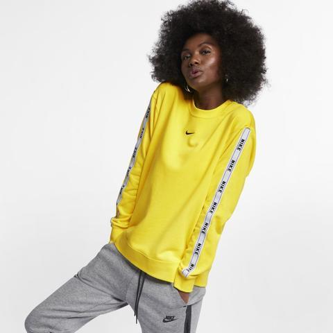 Maglia A Girocollo Con Logo Nike Sportswear Giallo from Nike on 21 Buttons