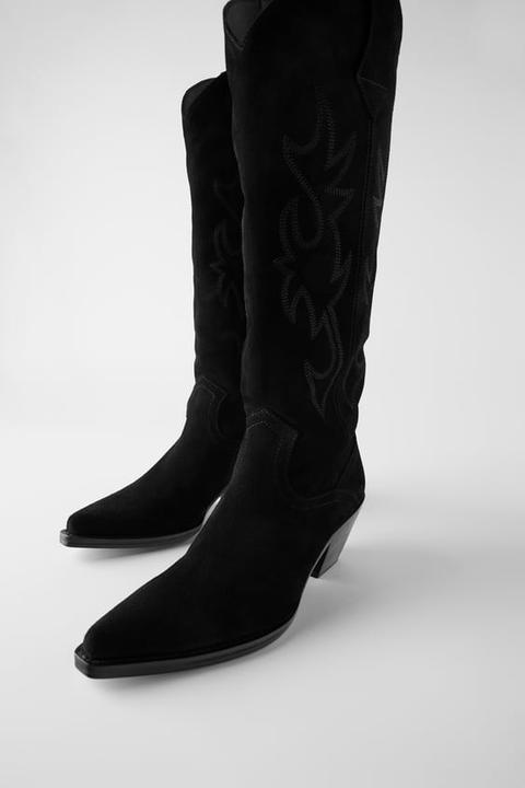 Bota Serraje Tacón Cowboy de Zara en 21 Buttons