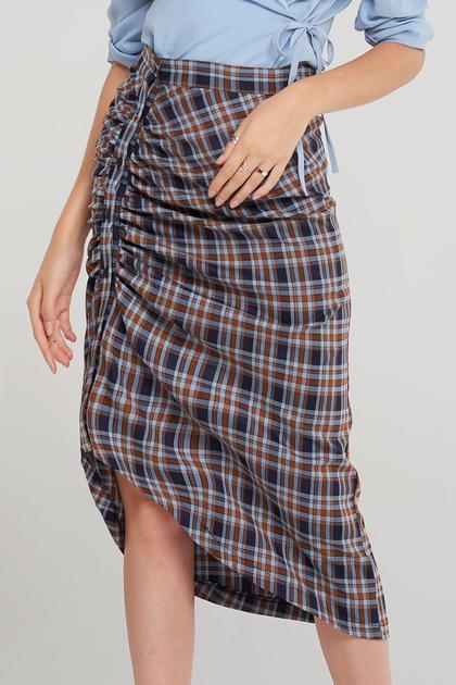 Valeria Ruched Midi Skirt de Storets en 21 Buttons