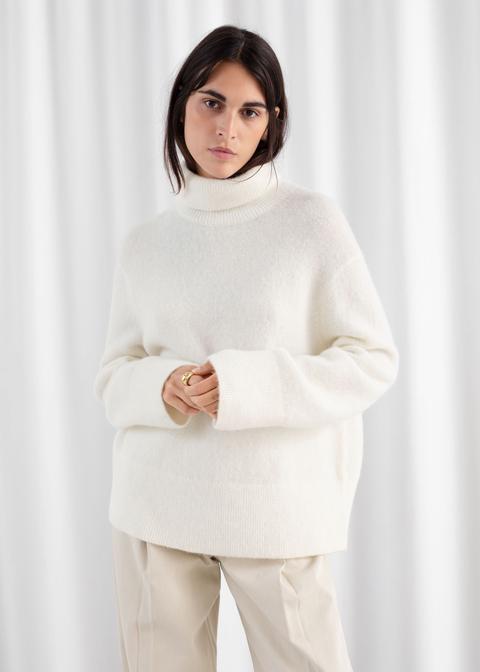Alpaca Blend Turtleneck Sweater de And Other Stories en 21 Buttons