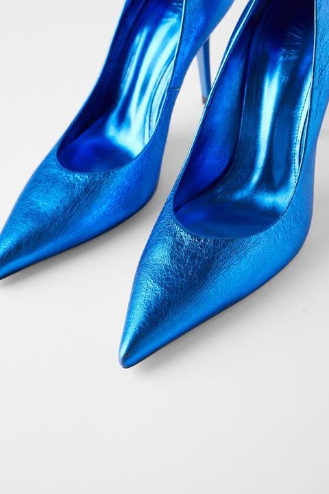 Zapato Tacón Piel Metalizado Blue Collection de Zara en 21 Buttons