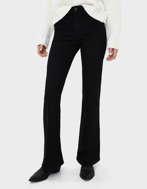 Jeans Flare Fit de Bershka en 21 Buttons