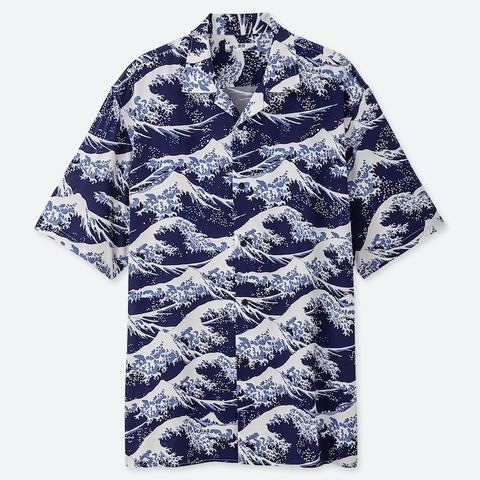 style top comment acheter réel classé Ut Hokusai Blue Chemise Graphique Manches Courtes Col Ouvert Homme from  Uniqlo on 21 Buttons