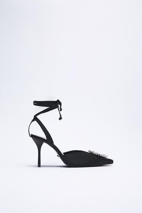 Zapato Tacón Destalonado Atado Brillos