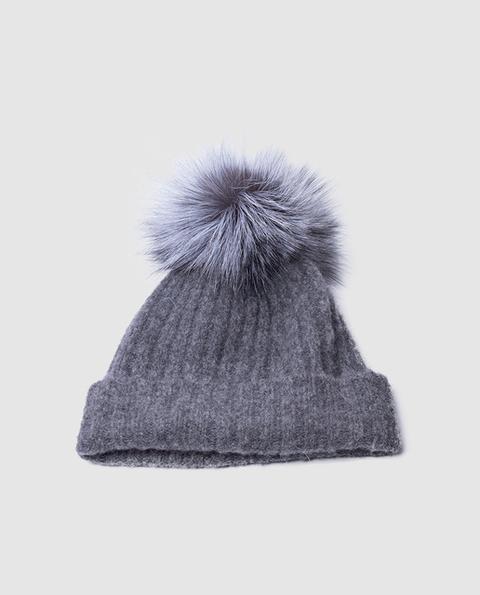 Neva Furs - Gorro De Punto De Mujer De Lana En Tono Gris Oscuro Con Pompón De Pelo Natural de El Corte Ingles en 21 Buttons