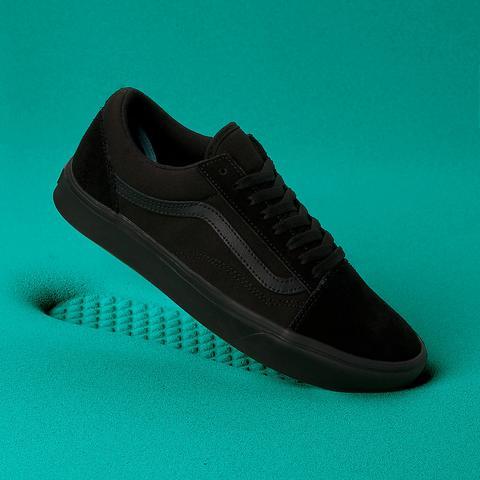 Vans Zapatillas Comfycush Old Skool ((classic) Black) Mujer Negro de Vans en 21 Buttons