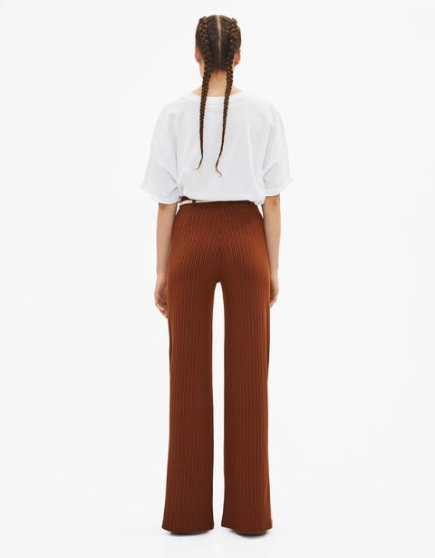 vende più vicino a vari stili Pantaloni A Campana Con Cintura from Bershka on 21 Buttons
