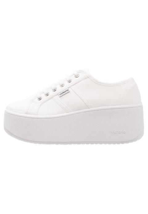 diseño de moda ajuste clásico buscar original Victoria Shoes Basket Lona Plataforma Zapatillas Blanco from Zalando on 21  Buttons