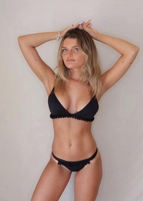 Black Pompom Bikini de OH MY COLLECTION en 21 Buttons
