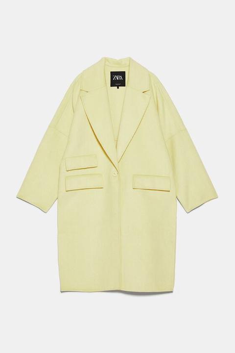 Abrigo Oversize Solapas de Zara en 21 Buttons