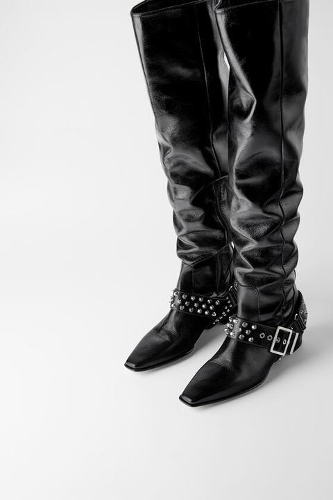 Bota Plana Piel Cowboy de Zara en 21 Buttons