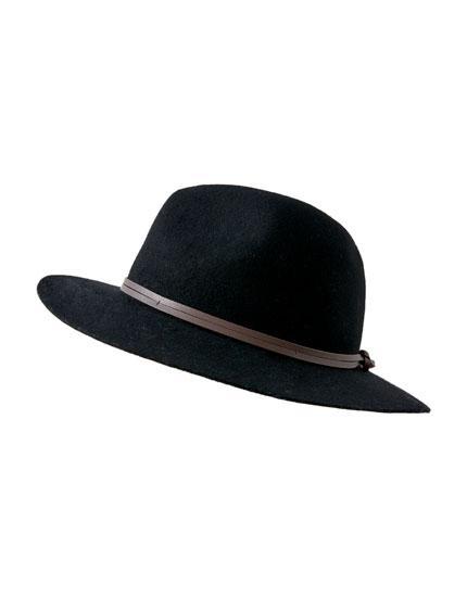 Sombrero Básico Nudo Trasero