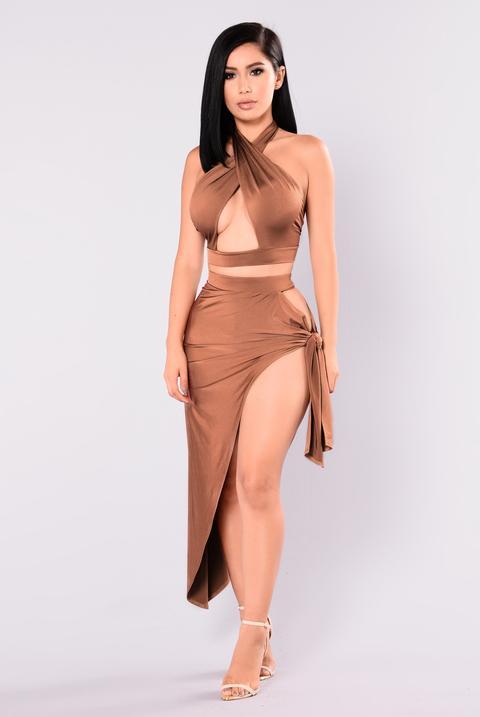 Egyptian Queen Cutout Set - Chocolate de Fashion Nova en 21 Buttons